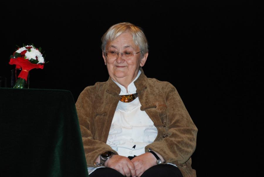 Pani Profesor Edyta Gruszczyk- Kolczyńska